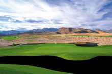 Black-Sand Bunkers at Bear's Best Add to Las Vegas' Uniqueness