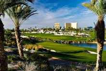 Tropical Golf in Heart of the Las Vegas Strip